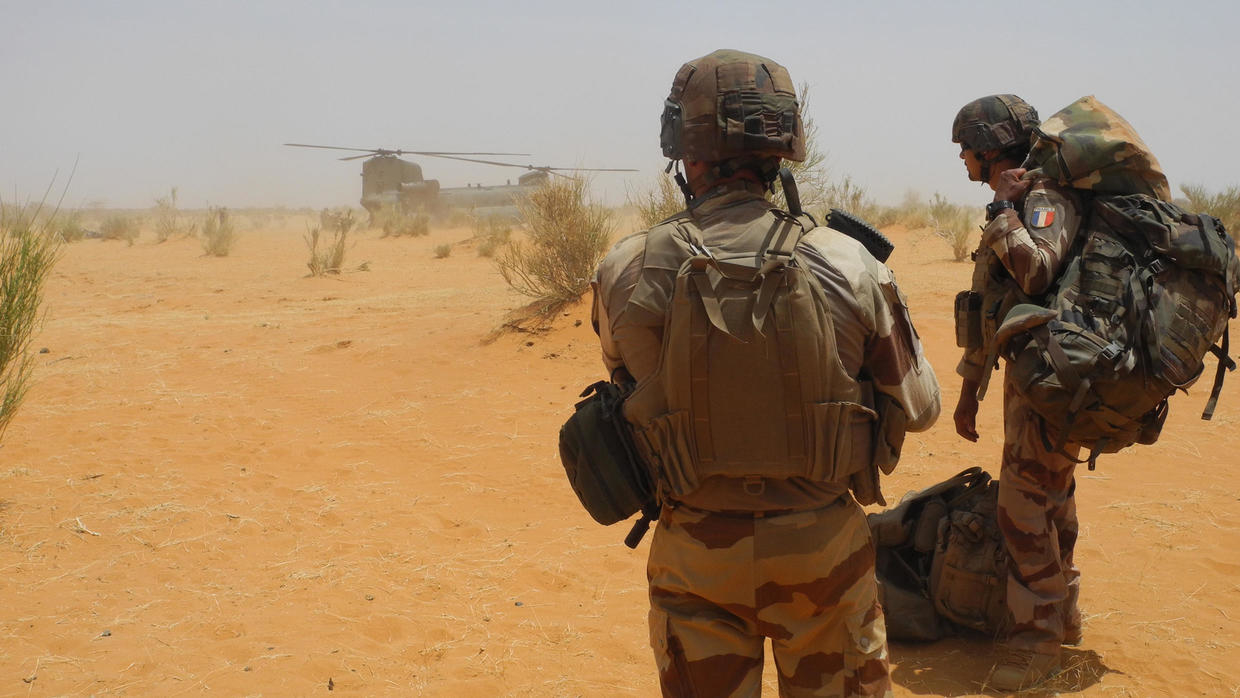 Photo of French Foreign Legion soldier dies in combat in Mali