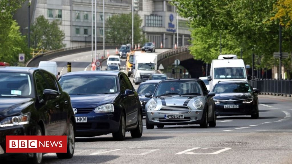 Photo of Climate change: Scientists fear car surge will see CO2 rebound