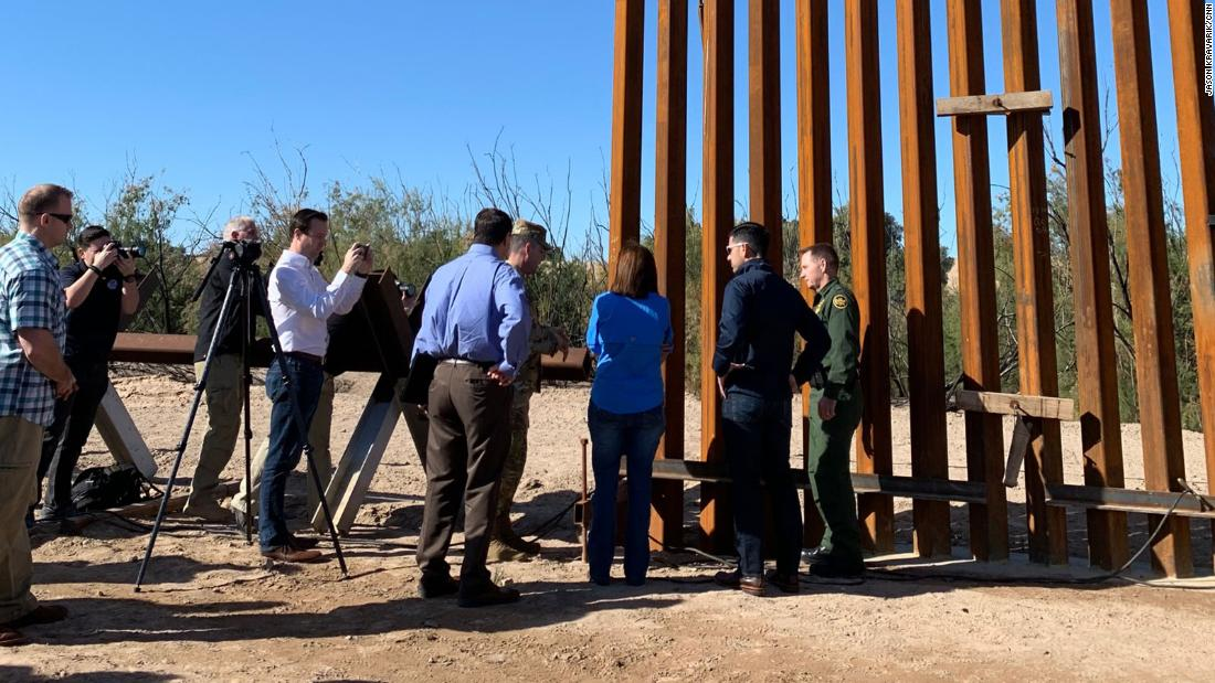 Photo of Trump wants the border wall painted black; here's how it might happen