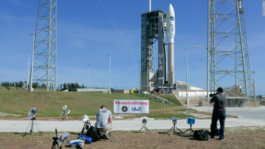 Photo of Weather postpones Atlas V rocket launch