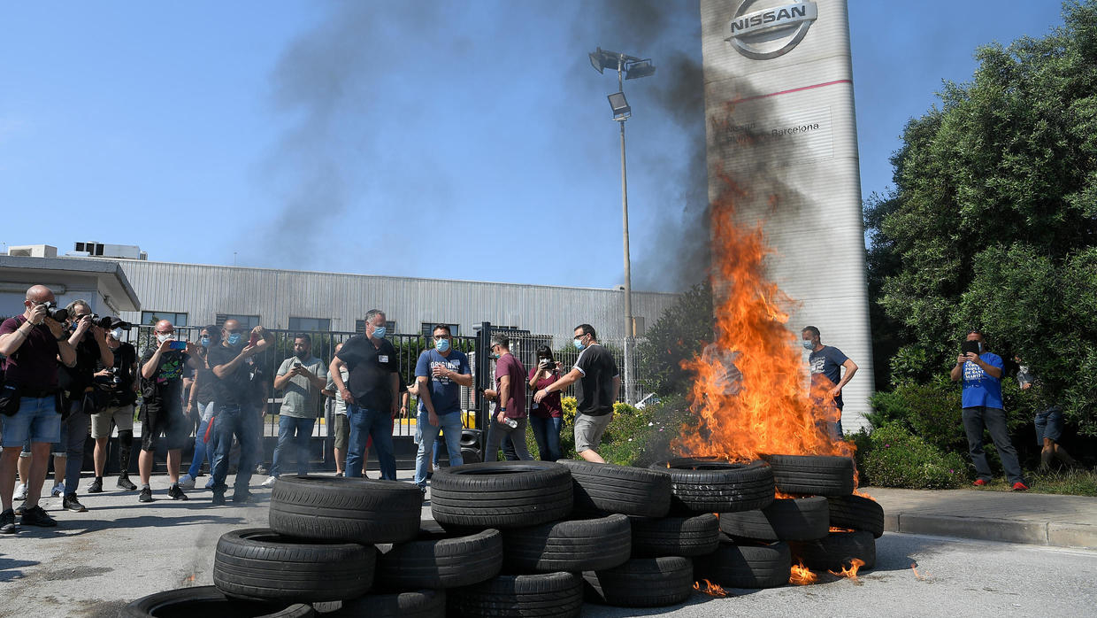 Photo of Nissan to shut factory in Barcelona, thousands of workers affected