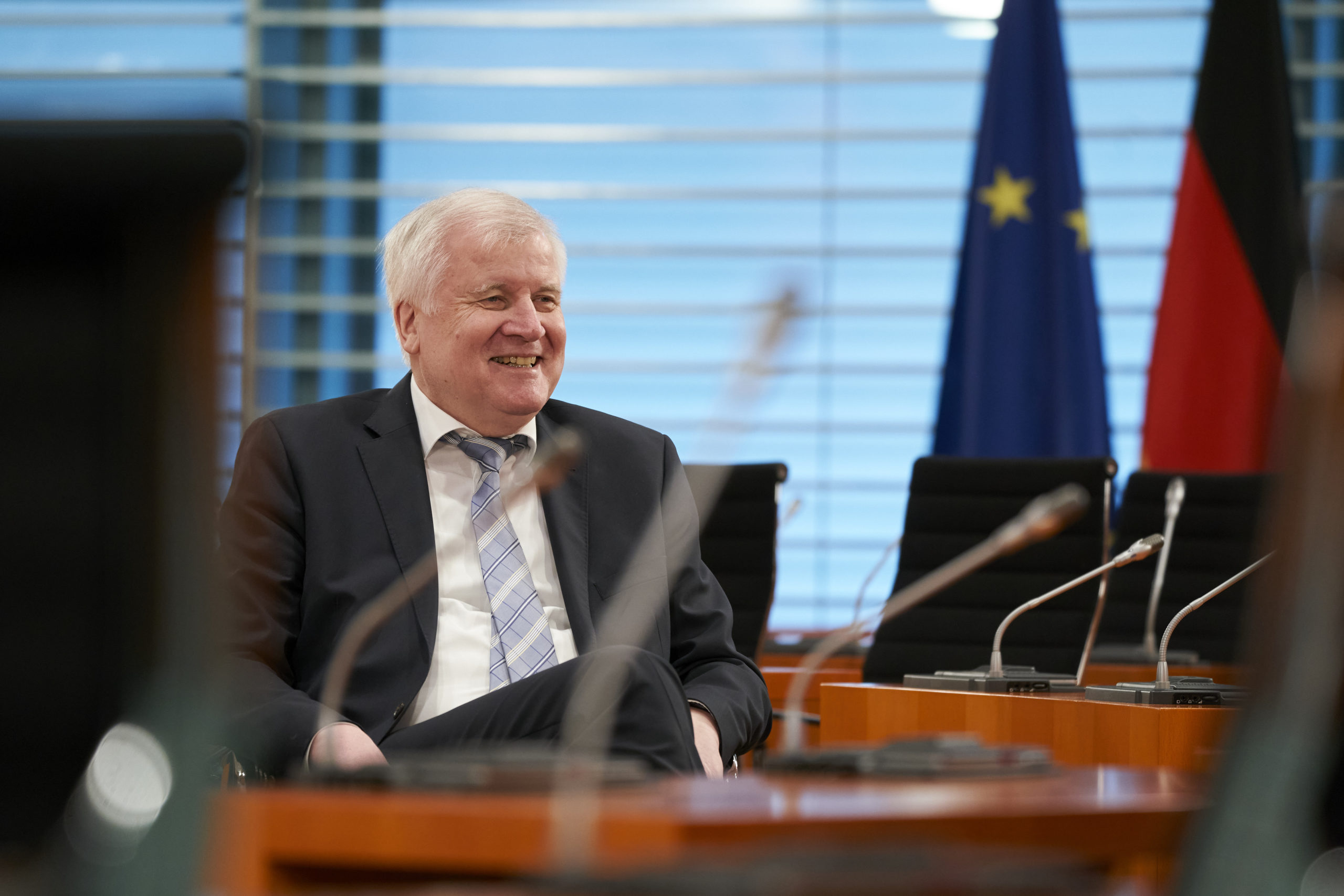 Photo of Horst Seehofer: Holiday plans must be limited to prevent coronavirus spread