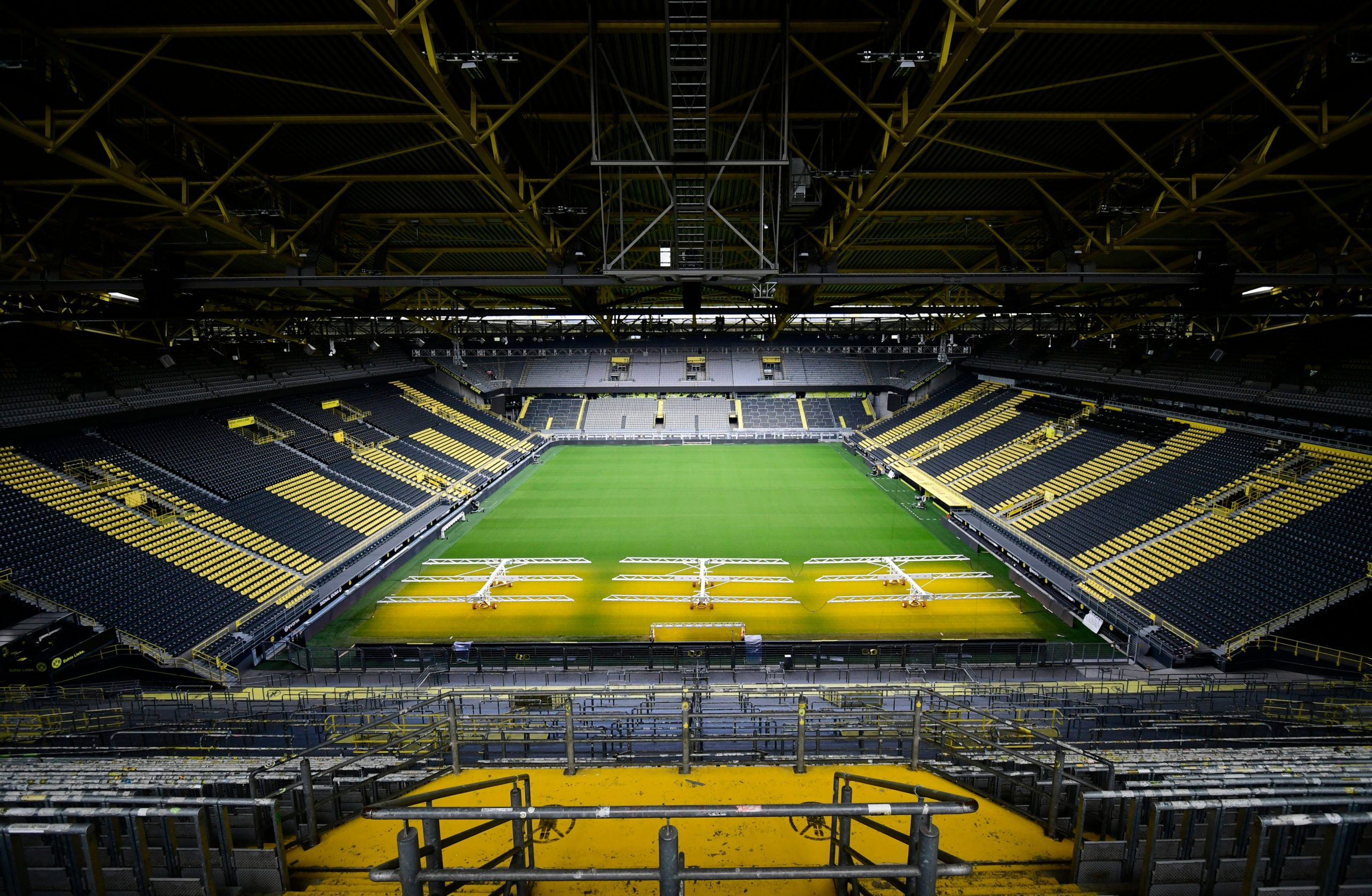 Photo of German football ready for kick-off (behind closed doors)