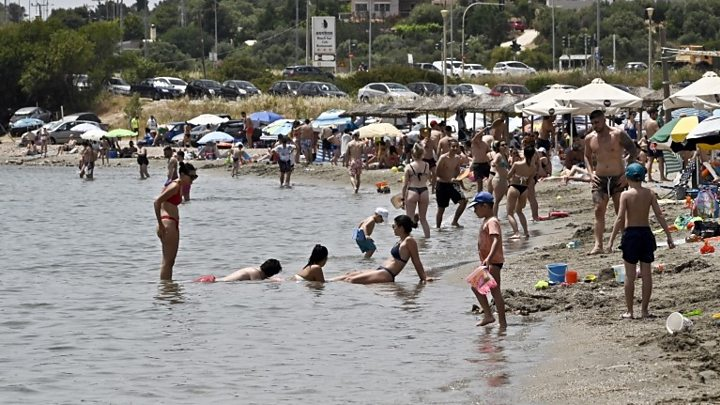 Photo of Coronavirus: Greece to reopen tourism season in June, PM says