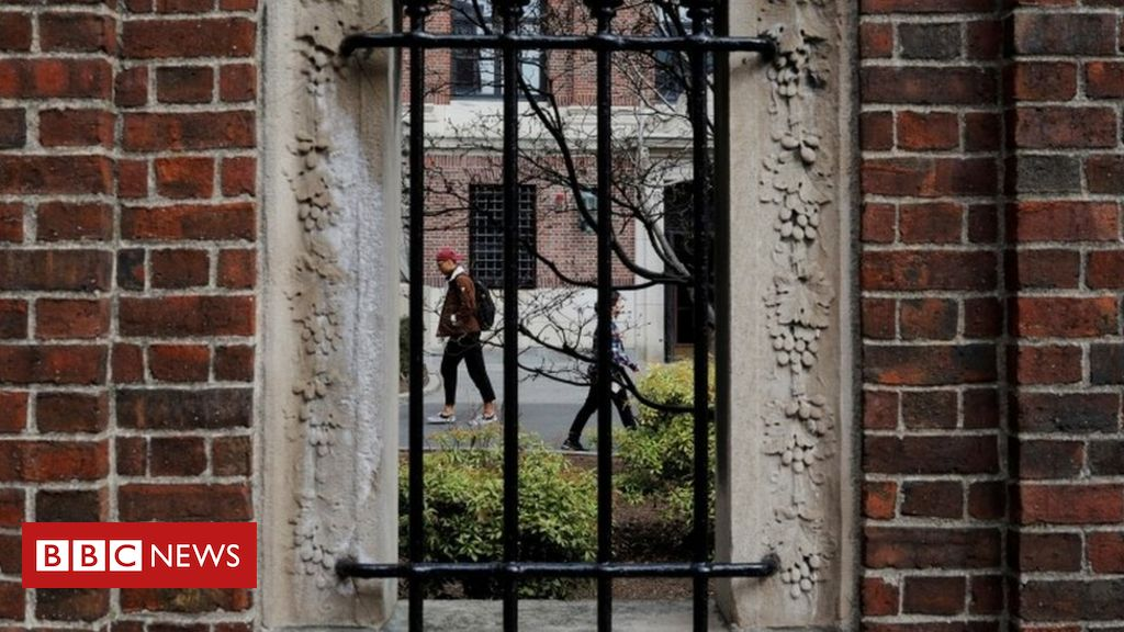 Photo of US to withdraw visas for foreign students if classes moved fully online