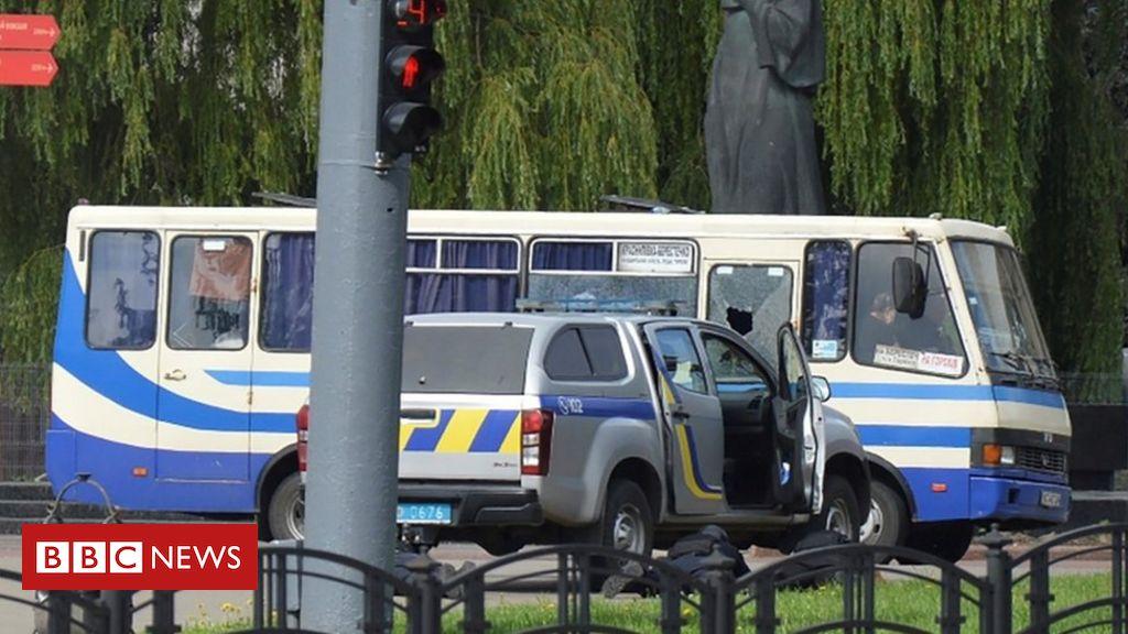 Photo of Ukraine: Gunman holds 20 hostages on bus in Lutsk