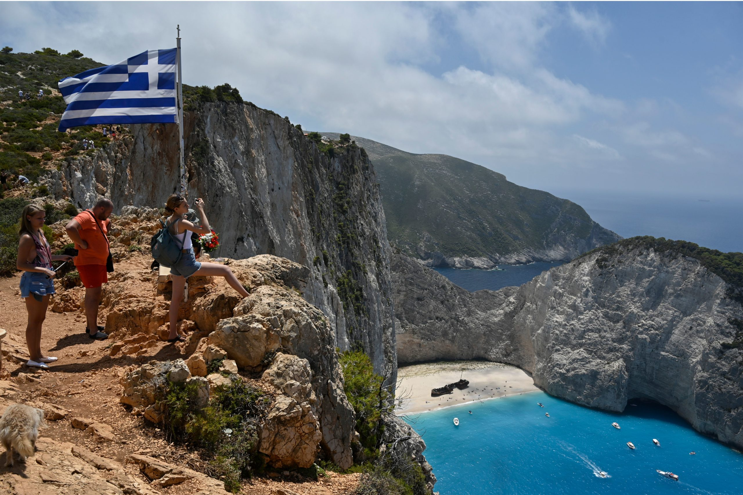 Photo of Greeces tourist reopening brings more infections but no economic panacea