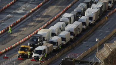 Photo of British army helps virus-stranded truck drivers get home for Christmas