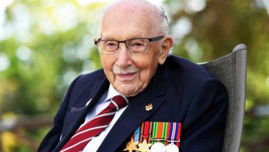 Photo of War veteran and record-breaking fundraiser, Captain Tom Moore, dies aged 100