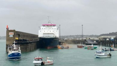 Photo of France sends patrol vessel to Jersey as UK navy monitors French fishing protest
