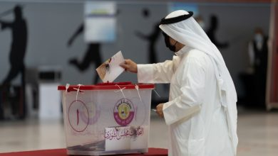 Photo of Qataris vote in first-ever legislative elections for advisory council